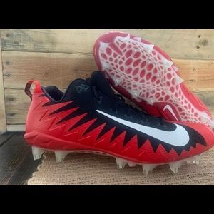 Nike Alpha Menace Pro low football cleats